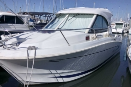Beneteau Antares 8 for sale in France for €43,000 (£37,636)