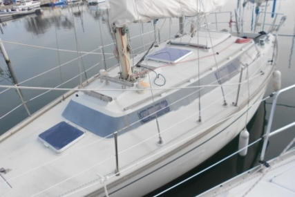 Dufour 31 for sale in France for €19,000 (£16,630)