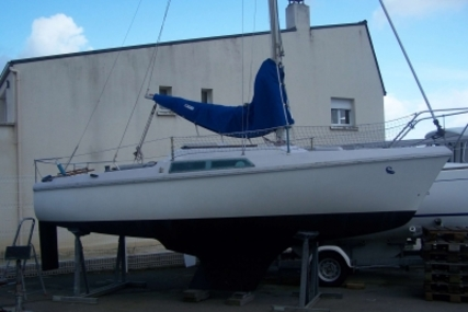 Jeanneau Flirt for sale in France for €1,900 (£1,668)