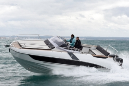 Beneteau Flyer 8.8 Sundeck for sale in France for €115,000 (£100,867)