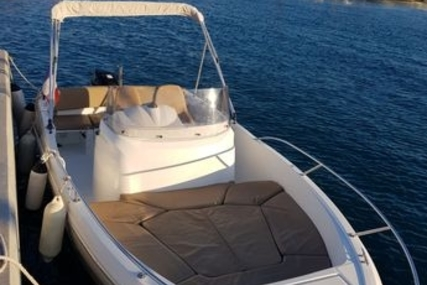Jeanneau Cap Camarat 6.5 CC for sale in France for €22,000 (£19,280)