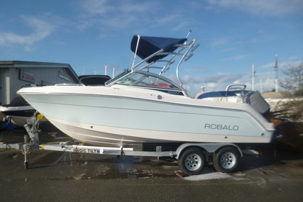 Robalo Dual console R227 for sale in United Kingdom for £64,795