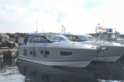 Jeanneau Leader 40 for sale in France for €270,000 (£236,963)