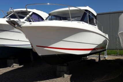 Beneteau Antares 7.80 for sale in France for €45,000 (£39,366)