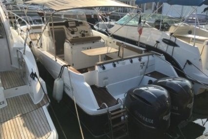 Jeanneau Cap Camarat 8.5 CC for sale in France for €69,000 (£60,388)