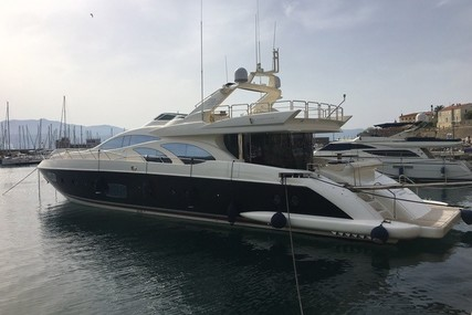 Azimut Leonardo 98 for sale in France for €2,500,000 (£2,197,126)