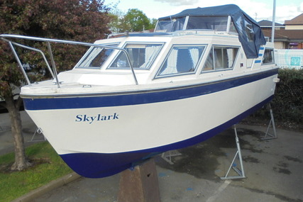 Viking Yachts 26 Centre Cockpit for sale in United Kingdom for £13,995