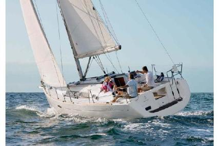 Beneteau Oceanis 34 for sale in Spain for €72,000 (£63,190)