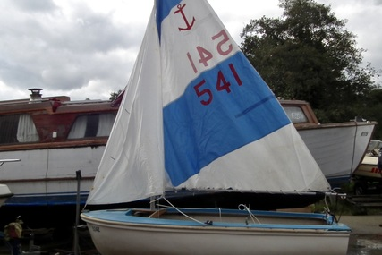 Fibrecell Sailing Dinghy for sale in United Kingdom for £450
