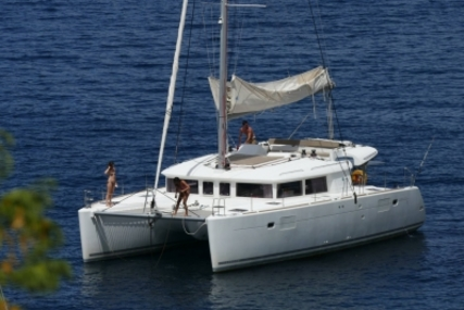 Lagoon 450 for sale in France for €367,900 (£323,071)
