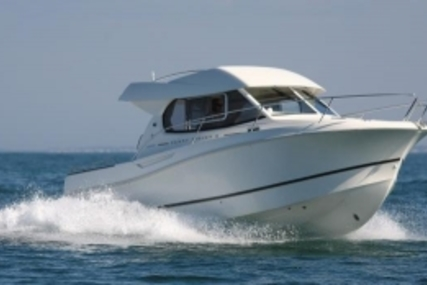 Jeanneau Merry Fisher 8 for sale in France for €55,900 (£50,193)