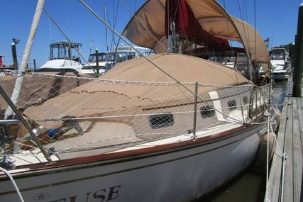 Island Packet 32 for sale in United States of America for $49,900 (£38,694)