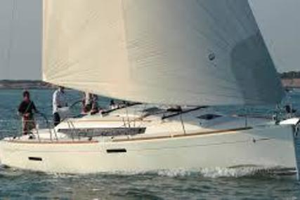 Jeanneau 379 for sale in United States of America for $195,000 (£144,755)