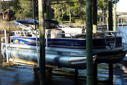 Sun Tracker Fishin' Barge 20 DLX for sale in United States of America for $20,500 (£15,920)
