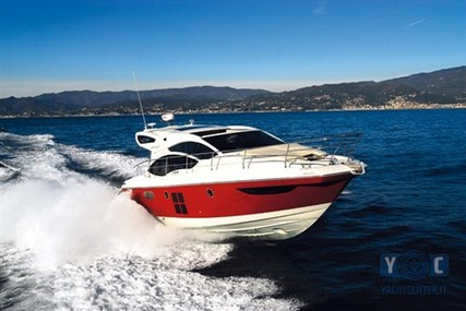 Azimut 40 S for sale in Italy for €287,000 (£251,397)