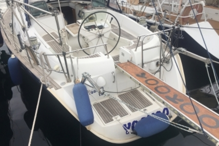 Beneteau Oceanis 461 for sale in France for €99,900 (£87,676)