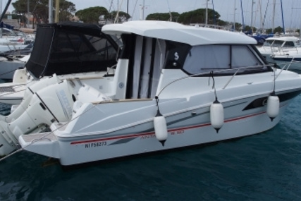 Beneteau Antares 880 HB for sale in France for €89,000 (£78,063)