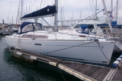 Beneteau Oceanis 31 for sale in France for €52,000 (£46,540)
