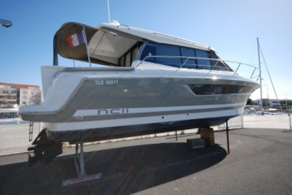Jeanneau NC 11 for sale in France for €158,000 (£138,400)