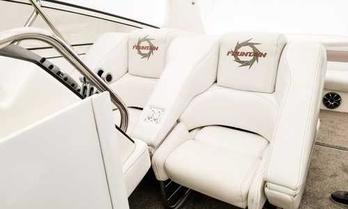 Image of Fountain Power 38 Express Cruiser for sale in Canada for $136,000 (£107,790) Canada
