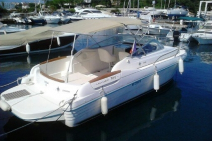 Jeanneau Leader 705 for sale in France for €16,000 (£14,042)