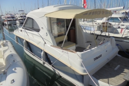 Beneteau Antares 8 for sale in France for €50,000 (£43,763)