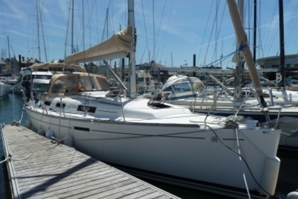 Dufour 325 Grand Large for sale in France for €72,000 (£63,190)