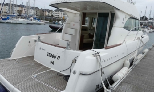 Image of Prestige 36 for sale in France for €115,000 (£101,023) ARZON, France