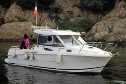 Jeanneau Merry Fisher 705 for sale in France for €26,000 (£22,757)