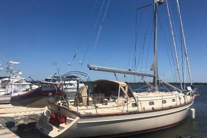 Island Packet 440 for sale in United States of America for $290,000 (£228,075)