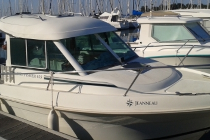Jeanneau Merry Fisher 625 for sale in France for €14,900 (£13,386)