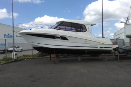 Beneteau Antares 880 HB for sale in France for €57,900 (£50,600)