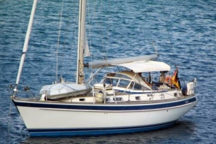 Hallberg-Rassy 42 F MK II for sale in Greece for €170,000 (£151,537)
