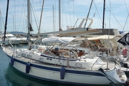 Hallberg-Rassy 39 for sale in France for €180,000 (£160,451)