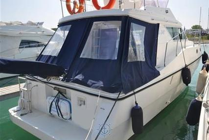 Azimut Yachts AZ 34 for sale in Italy for €45,000 (£40,194)