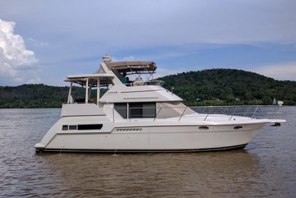 Carver Yachts 355 Aft Cabin for sale in United States of America for $79,990 (£60,823)