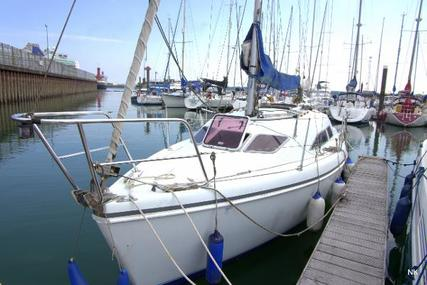 Hunter Channel 27 for sale in United Kingdom for £21,000