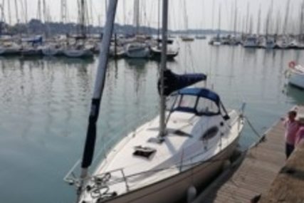 Kirie Feeling 32 for sale in France for €59,900 (£53,498)