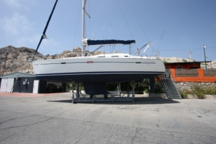 Beneteau Oceanis 393 for sale in France for €65,000 (£57,797)