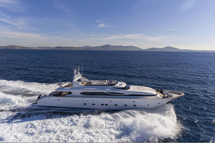 Maiora 115 for sale in Greece for €4,900,000 (£4,294,140)