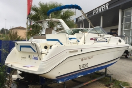 Rinker 265 Fiesta Vee for sale in France for €13,000 (£11,434)