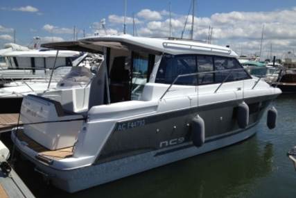 Jeanneau NC 9 for sale in France for €135,000 (£120,691)