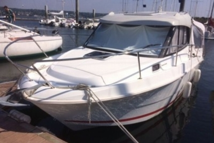 Beneteau Antares 7.80 for sale in France for €36,000 (£31,545)