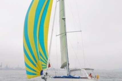 Beneteau Oceanis 41 for sale in France for €151,000 (£135,146)