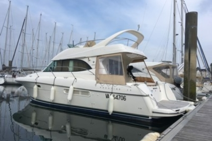 Prestige 36 for sale in France for €123,000 (£108,012)