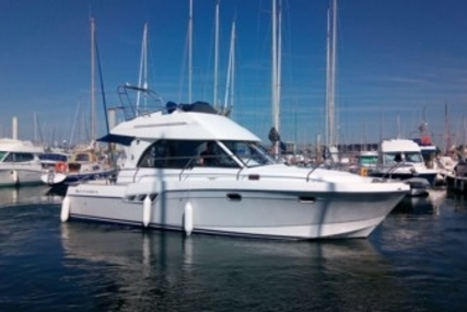 Beneteau Antares 9.80 for sale in France for €88,000 (£77,186)