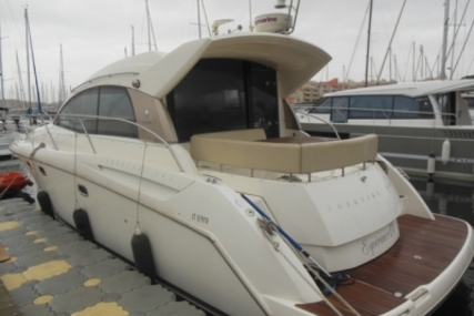 Prestige 38 S for sale in France for €158,000 (£141,524)
