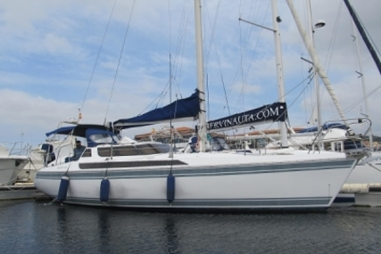 Jeanneau Espace 1000 for sale in Portugal for €38,000 (£34,127)
