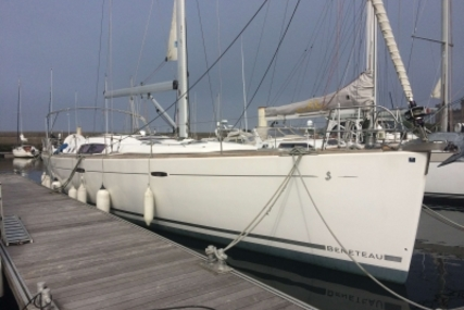 Beneteau Oceanis 54 for sale in France for €210,000 (£189,505)