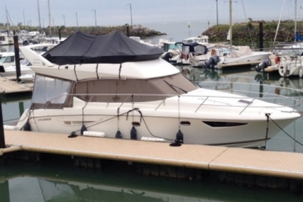 Prestige 400 for sale in France for €219,000 (£192,087)